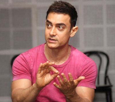 Only 'passionate' stars must enter politics: Aamir Khan