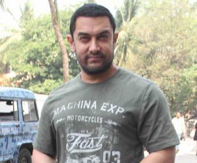No change in 'Dangal's release date, confirms Aamir