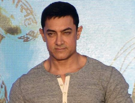 Aamir Khan to launch `Dangal's first song on Children's Day!