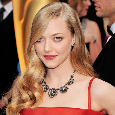 amanda seyfried icons. is awkward: Seyfried