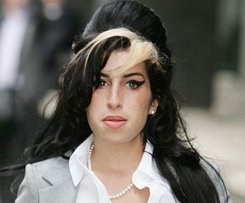 Winehouse's wedding, cocktail dress stolen
