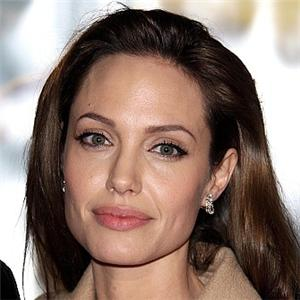 Jolie wants law for paparazzi