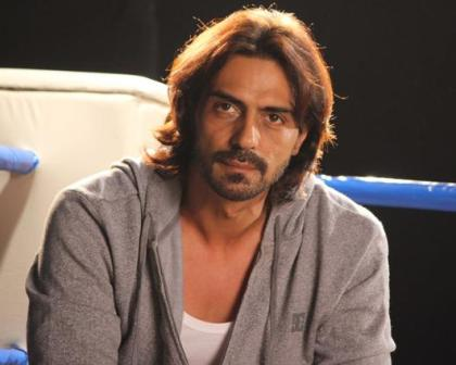 Arjun Rampal `busts` knee during `Kahaani 2` shoot