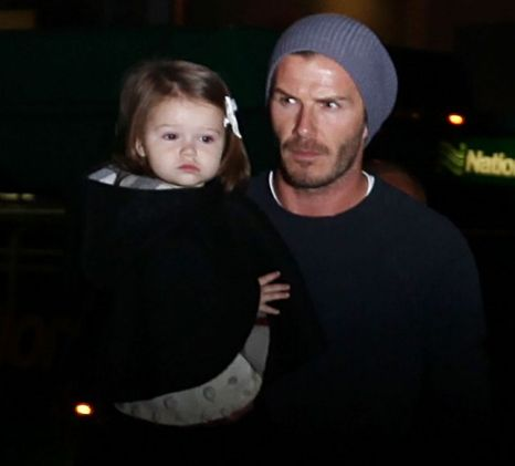 Beckhams spotted jetting back to UK for Christmas