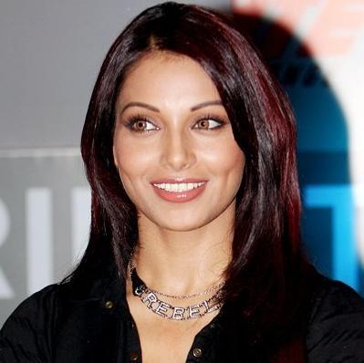 Bipasha Basu smile