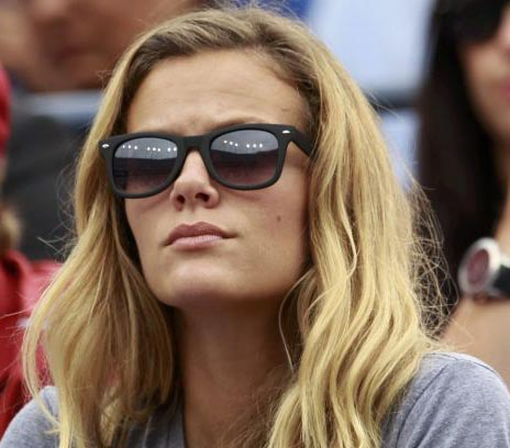 Brooklyn Decker breaks down as Roddick's career ends with US Open loss
