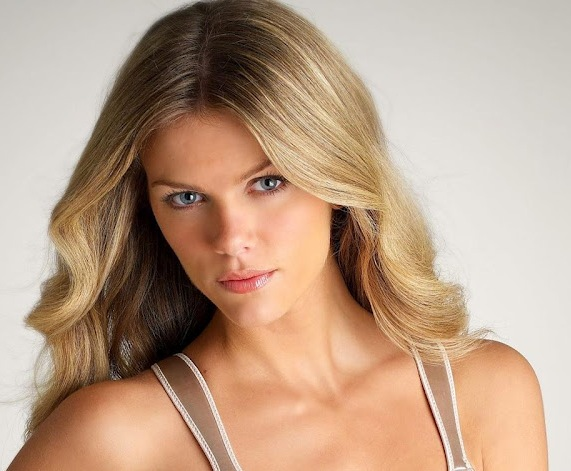 Brooklyn Decker all set for movie debut