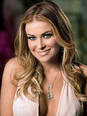 carmen electra boobs