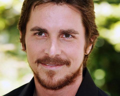http://www.topnews.in/light/files/Christian-Bale1.jpg