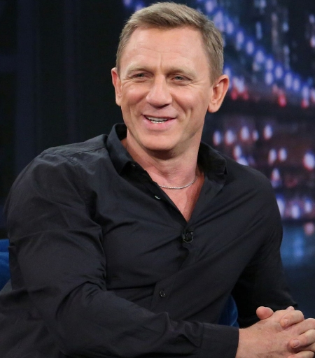 007 Daniel Craig took driving lessons to earn license