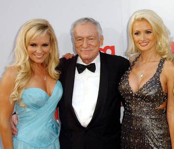 did holly madison dating criss angel Criss angel previously had a high-profile relationship with hugh hefner's ex, holly madison, but it also ended on a sour note the former playboy bunny slammed angel in her memoir, according to the daily mail.