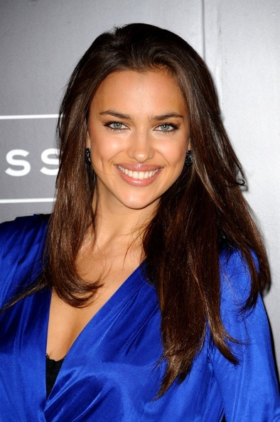 Irina Shayk helps unveil Kate Upton as Sports Illustrated cover girl in NY