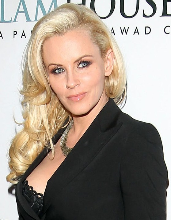 Jenny McCarthy tried to have sex with a tree while high on ecstasy