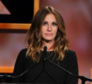 'Great friend' Julia Roberts honored George Clooney at BAFTA Britannia Awards