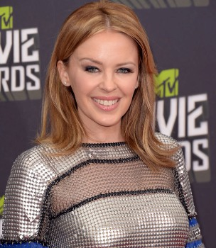 Kylie Minogue to be honoured for cancer charity