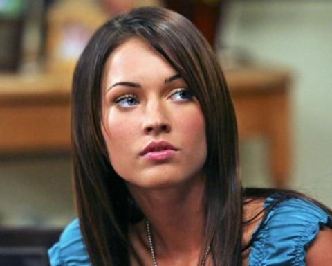 megan fox thumb. Fox#39;s clubbed thumbs is