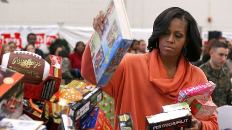 Michelle Obama donates toys to kids