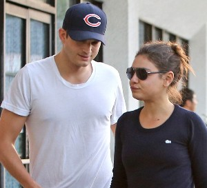 Mila Kunis and Ashton Kutcher want to have 'royal wedding'