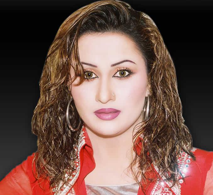 Pakistani actress Nargis dumps showbiz to become a religious scholar