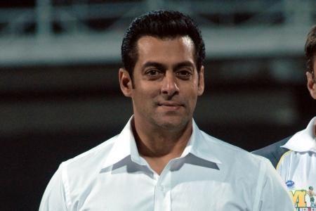Salman Khan inaugurates painting exhibition in Mumbai