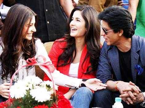 SRK roped in Katrina, Anushka for KIFF opener