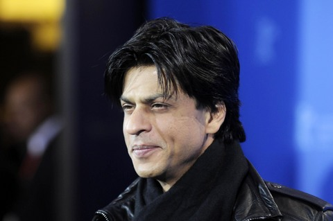 SRK tries to look cool in lethal shoes