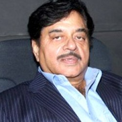 I can't defy any command from my daughter: Shatrughan Sinha