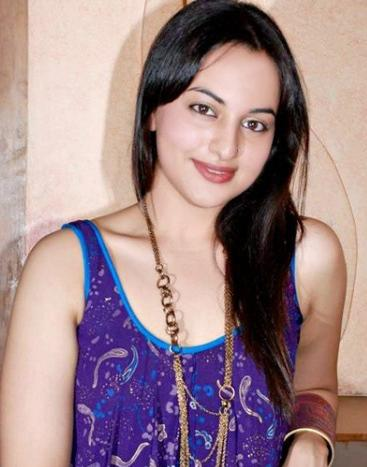Sonakshi shoots for 'Thupakki' remake, excited