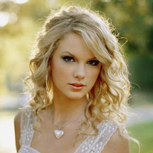 Swift introduces Styles to mother