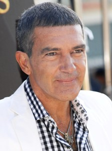 Antonio Banderas to portray trapped Chilean miner