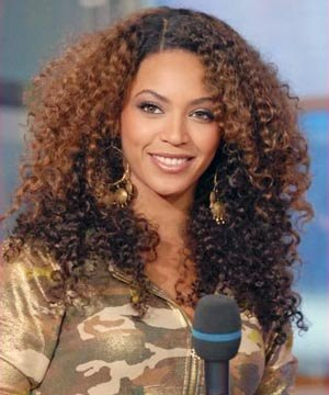 Beyonce Knowles  Wallpaper on Beyonce Knowles Curly Hairstyle