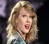 Taylor Swift invites fans to Austin for her Grand Prix performance