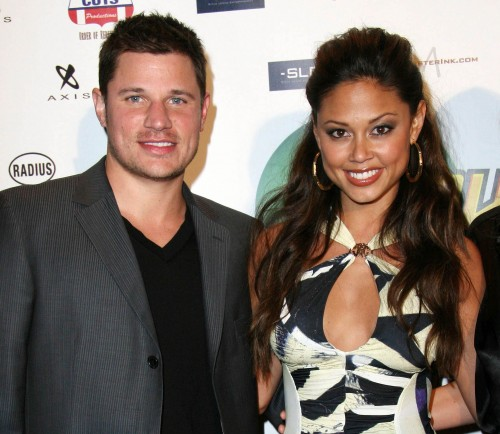 Nick Lachey, wife welcome son