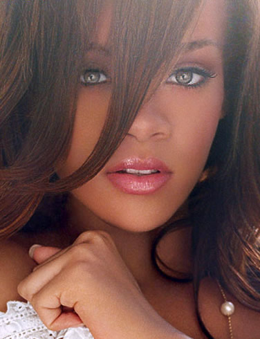Rihanna Chris Brown's Girlfriend wallpaper