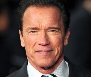 Reddit fills gap between Arnie and dying fan