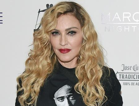 Madonna offers to re-marry Sean Penn for $150,000