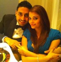 Jr. Bachchan marks 9th wedding anniversary with Insta pic