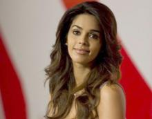 Mallika Sherawat `fought off` the Paris attackers