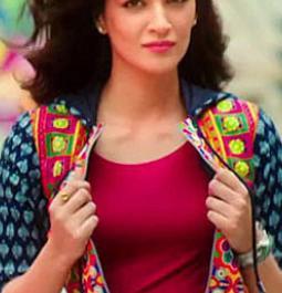 Kriti Sanon in all praise for 'Rangoon'