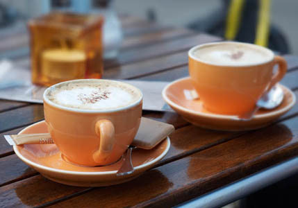 Two cups of coffee or tea a day cuts smokers' stroke risk