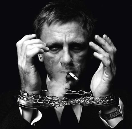 Fabelhaft Addicted to smoking? Blame James Bond for it | TopNews #LP_98