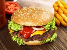 Beware! Burgers, chips at lunch may cause food comas
