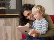 Read e-book to your kids to increase their vocabulary: Study