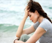 Moderate-severe hot flashes in menopausal women ups risk of depression