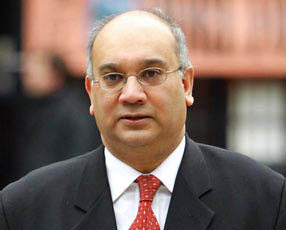 Labour MP Vaz claims 75 K pounds as expenses for a flat, 12 miles from home