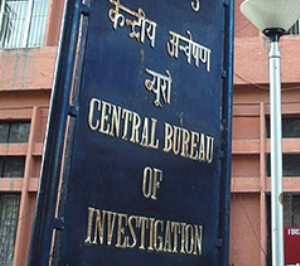 Income tax officer caught red handed by CBI for taking bribe
