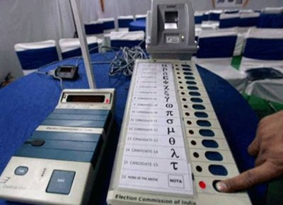 Polling delayed in Mathura, Baghpat due to non-operational EVMs