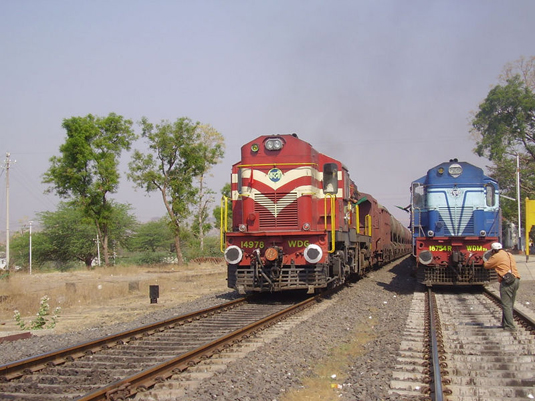 Speeding train kills three in Haridwar
