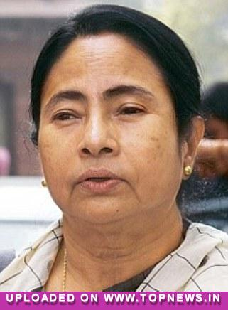Mamata uses Facebook to target Left, BJP on failed no-confidence motion