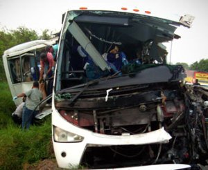 33 killed in Mexico bus crash